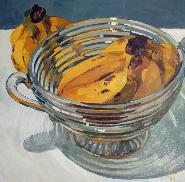 BANANAS IN GLASS BOWL